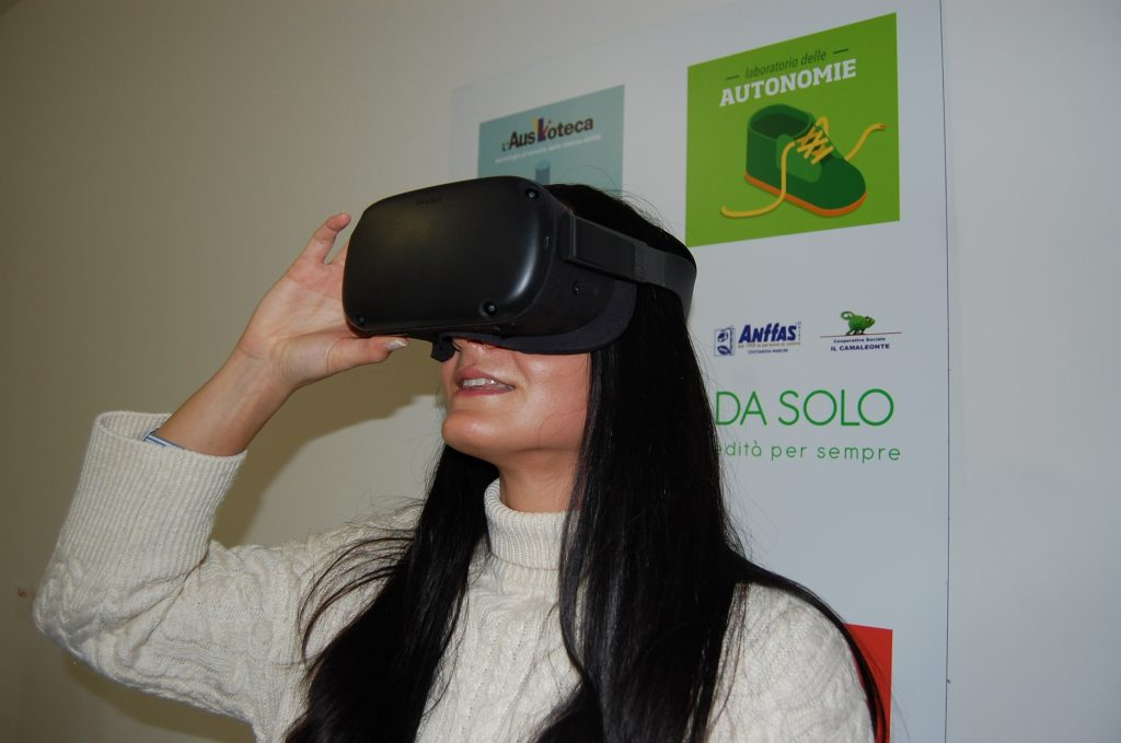 Realtà aumentata con il visore immersivo: prosegue l'osservazione