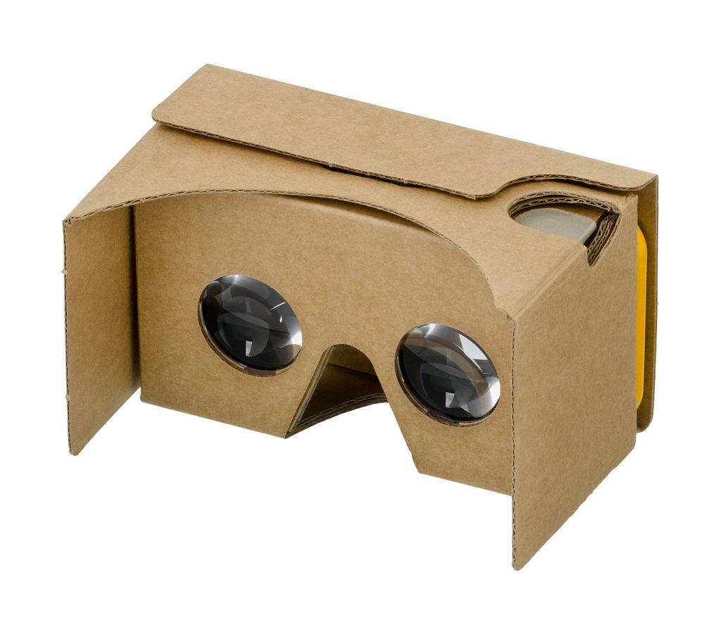 Come avvicinarsi da casa alla realtà virtuale, i consigli di #iofacciodasolo@home